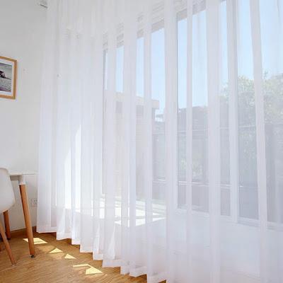 Warna Gorden Yang Netral, Cocok Untuk Kaca & Dinding Rumah
