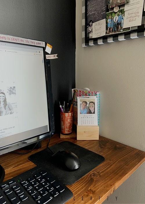 2021 Desk Calendar with free monthly calendar