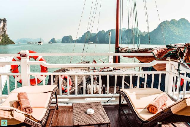 Terraza privada en el Bhaya Classic Cruises