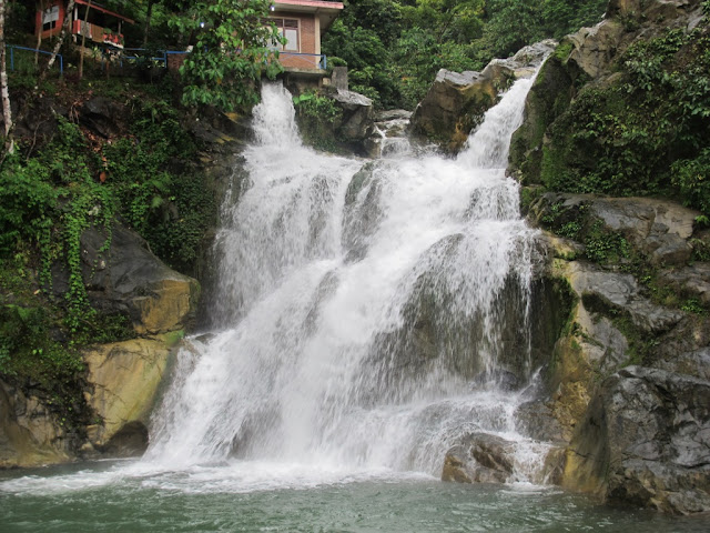 Air Terjun Suhom di Aceh