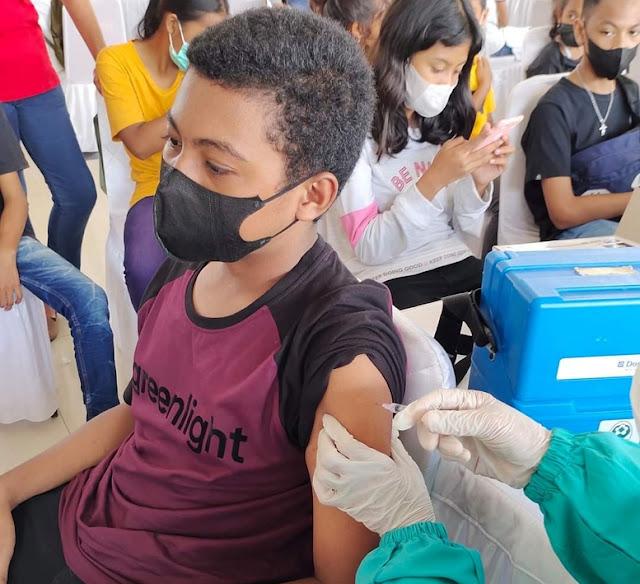 2.674 Warga Ambon Divaksin di Hari Pertama Pekan Selebrasi Vaksinasi Covid-19.lelemuku.com.jpg