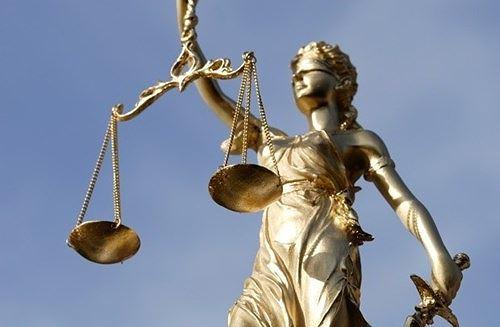Vì sao Nữ thần công lý trên thế giới có một dải băng che mắt?