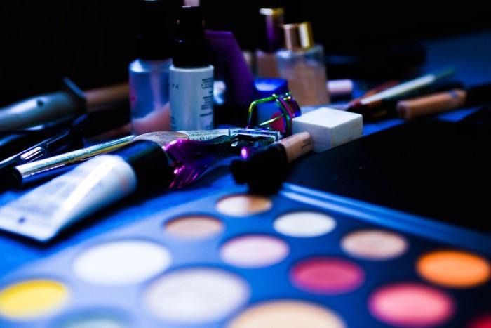 How to Start a Profession as Makeup Artist (MUA)