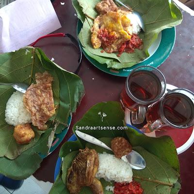 Nasi jamblang Bang Dul Cirebon