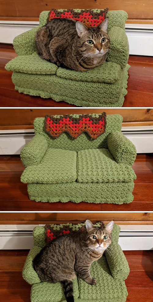 Kitty Couches Green Sofa - Crochet Pattern
