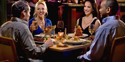 Tips Sehat Saat Makan di Restoran atau Rumah Makan
