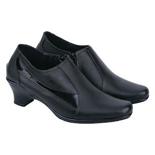 Sepatu Boot Wanita Catenzo US 025