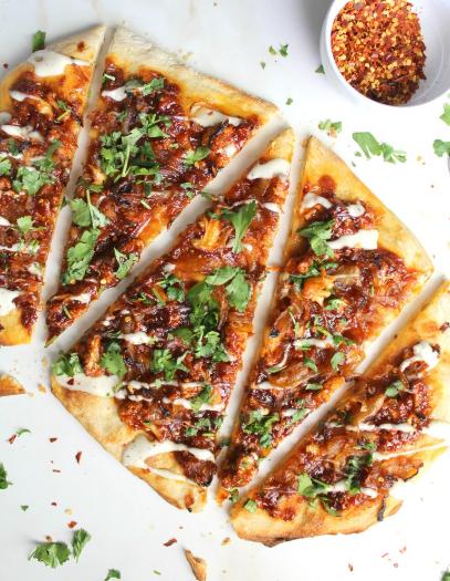 VEGAN ROASTED CAULIFLOWER BBQ PIZZA #vegan #dinner