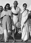 गांधी जी के साथ इस लड़की का किया है सच आज जानलो पूरी बात - पत्नी थी या प्रेमिका या फिर कोई और ?
