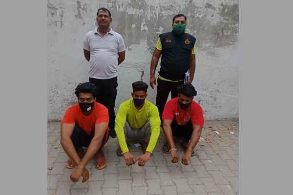 crime-branch-sector-65-faridabad-arrested-three-criminals