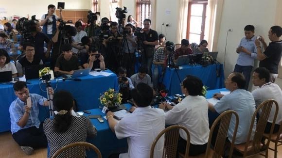 Thầy trò cùng có mặt tại phiên tòa gian lận thi cử tại Sơn La