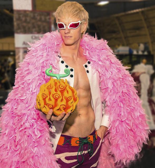 cosplays ông trùm thế giới ngầm Doflamingo