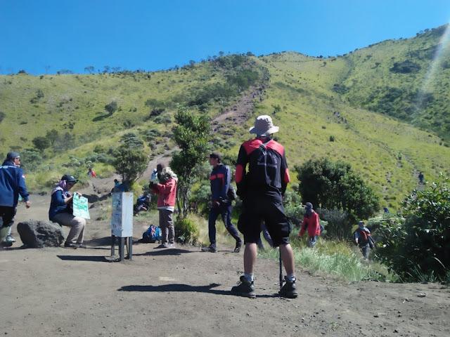 Tentang Pendakian Seorang Diri (Solo Hiking)
