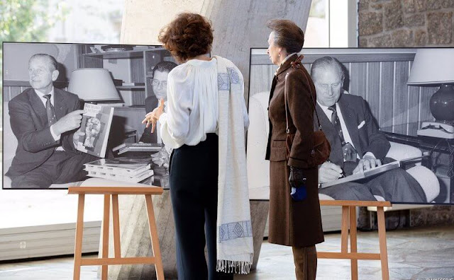 The Princess Royal viewed photos of the Duke of Edinburgh's visit to UNESCO in Paris in 1988, as President of WWF