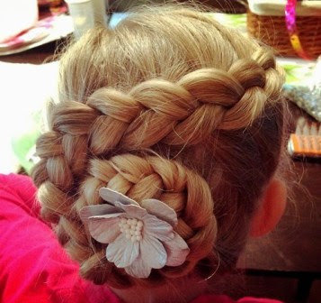 Model Classic Child Updo