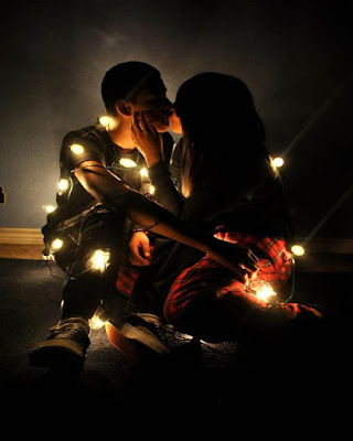 poses tumblr con luces en pareja