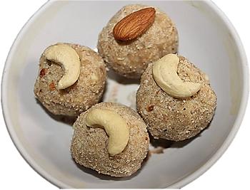 recipe of laddu of gram flour-wheat flour for the Diwali festival||दिवाली पर्व के लिए बेसन-गेंहू के लड्डू की रेसिपी ||divaalee parv ke lie besan-genhoo ke laddoo kee resipee ||