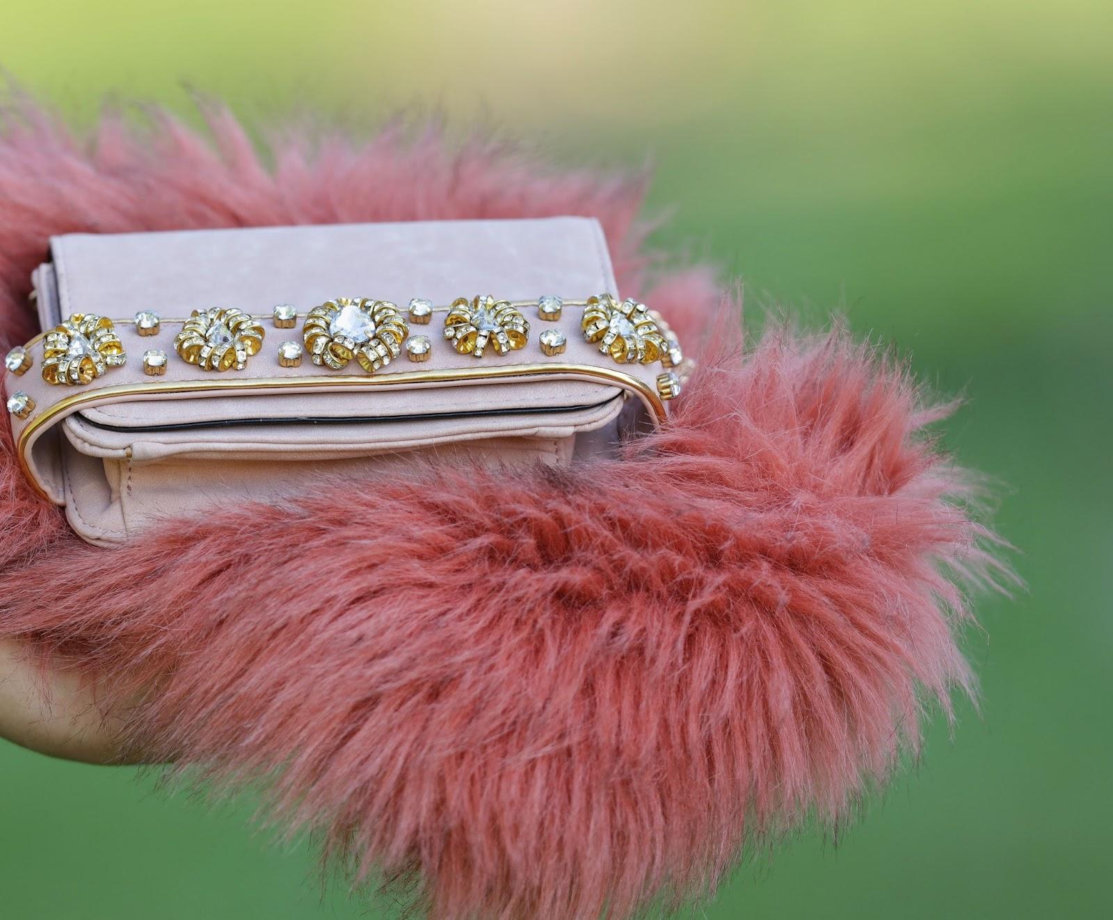 shawl, pink fur, miss selfridge, česká blogerka, blog o módě, fashion