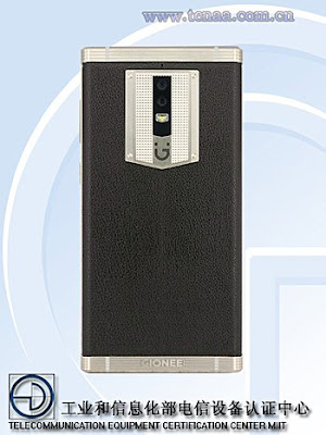 Pabrik asal China selalu menciptakan kejutan di pasar dengan membawa sebuah fitur yang menonjo Smartphone Baru Ini Punya Baterai Setan Sebesar 7000 mAh