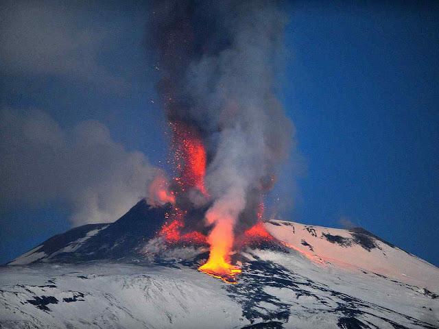 Mais um vulcão ativo foi descoberto em 2010 na região de Marie Byrd Land, no ocidente da Antártica