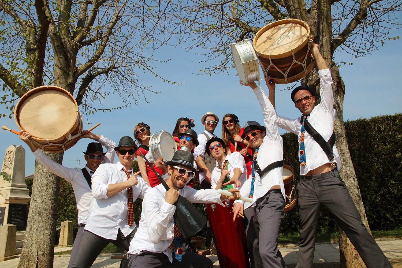 La batucada fanfare Président Gongué joue en Maine et Loire, Loire Atlantique, Vendée, Mayenne et sarthe pour des carnavals, festivals, fêtes de quartier...