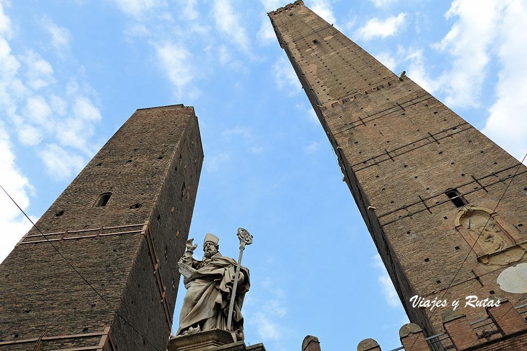 Torres Garisenda y Assinelli de Bolonia