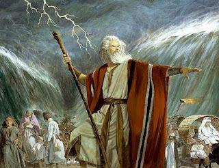 Berbagai Mukjizat Yang Tuhan Allah Berikan Kepada Musa Sewaktu Memimpin Bangsa Israel