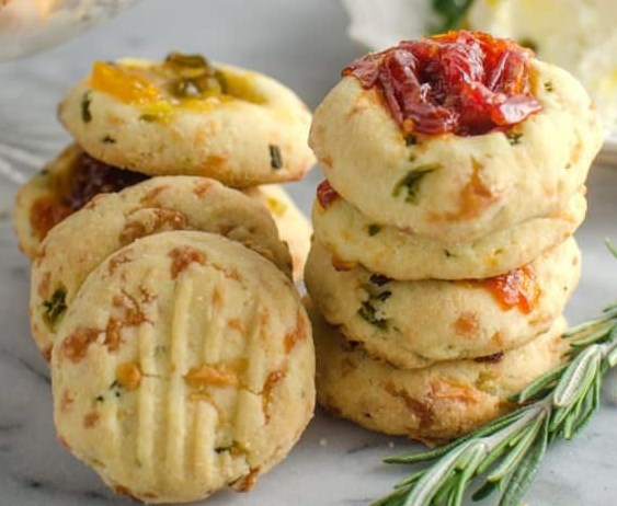 Cheesy Thumbprint Cookies with Bourbon Tomato Jam { Savory Cookies } #appetizers #vegetarian
