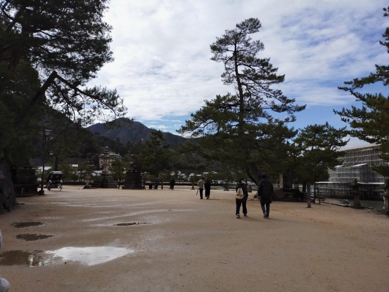 宮島を歩く