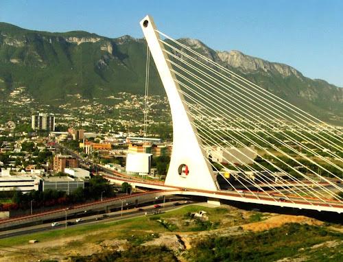 Puente de la Unidad - Monterrey – México