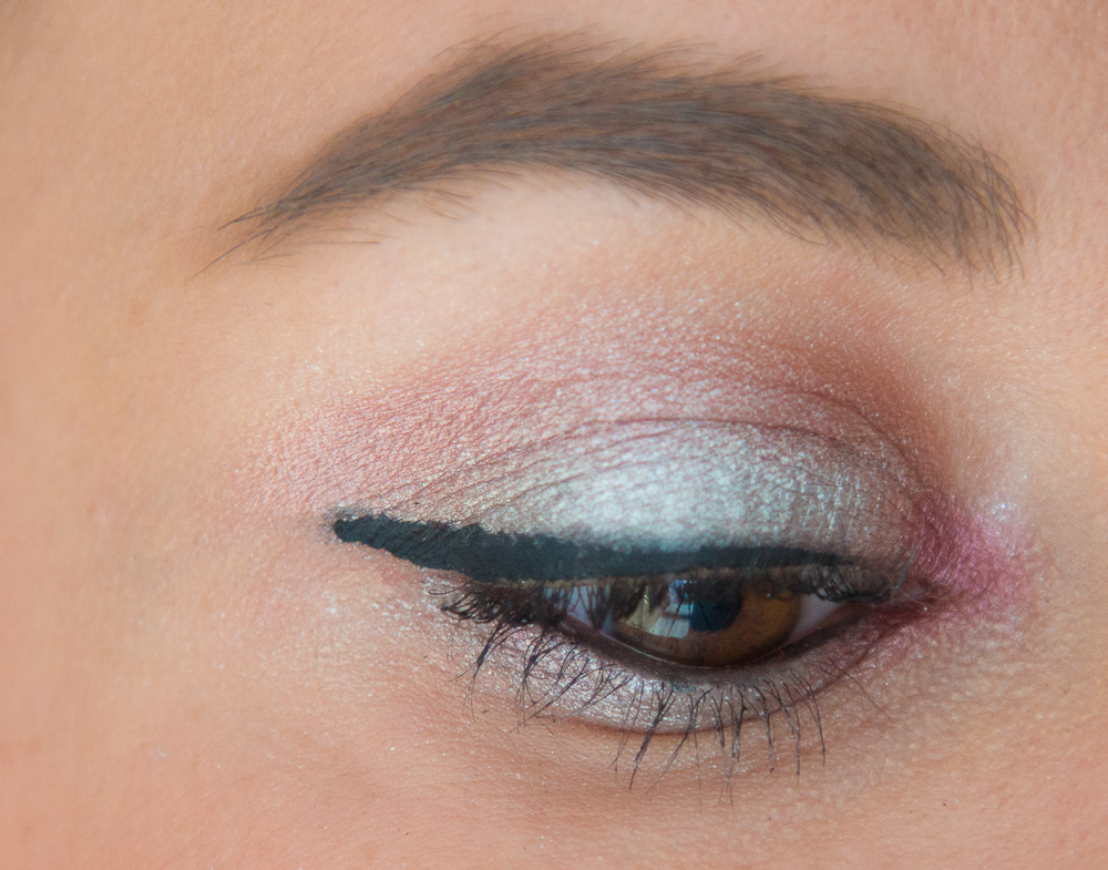 maquillage - argente - liner - silver
