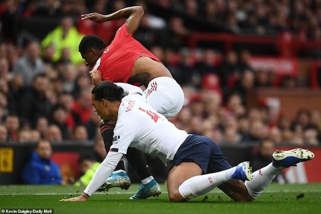 Bốc thăm vòng 3 FA Cup: Liverpool, M.U gặp khó