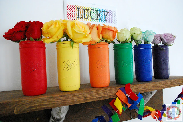 Paint mason jars to decorate with during holidays or to match your decor. Find out more at A Glimpse Inside.