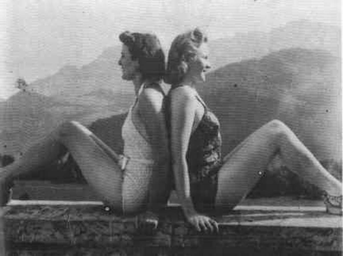 Gretl Braun (Eva's sister) with actress Else von Möllendorff.