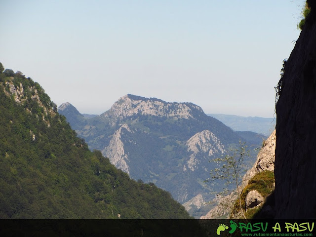 Vista de la Mota Cetín desde Ozania