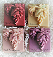 These stunning 3D Grape & Leaf Wine Soap with 2 Wine Glass Charms is an amazing gift set for Wine Lovers
