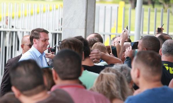 Na tarde desta quarta: Bolsonaro volta a Brasília após feriado no Guarujá