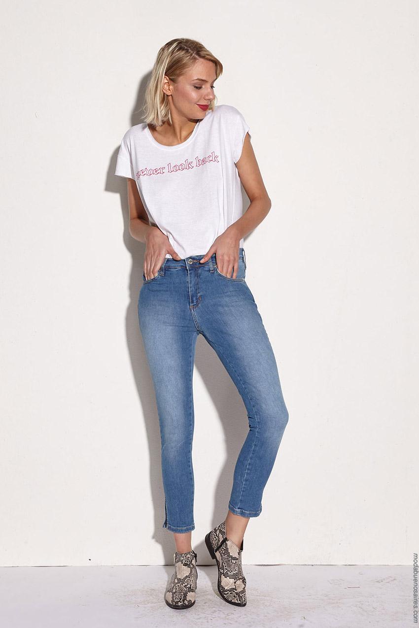 Moda jeans primavera verano 2020. Ropa de mujer primavera verano 2020.
