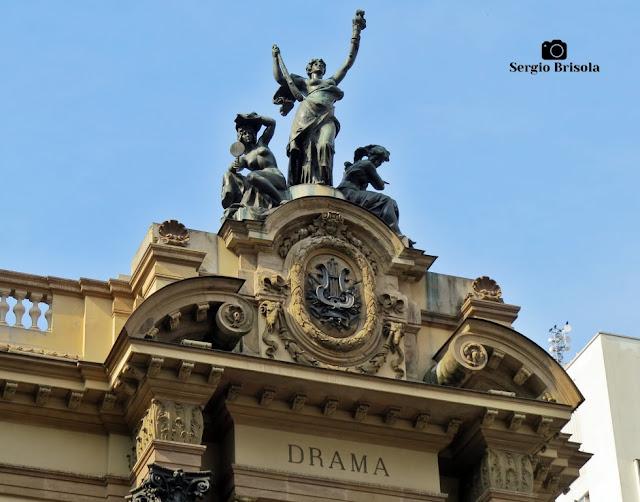 Close-up do Grupo escultórico Drama - Teatro Municipal SP - São Paulo