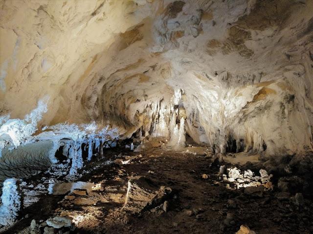 Interior de la Cueva de Urdax