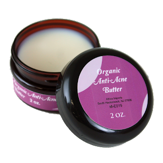 Ingredients: Organic Shea Butter (Butyrospermum Parkii), Organic Tea Tree Oil (Melaleuca Alternifolia)