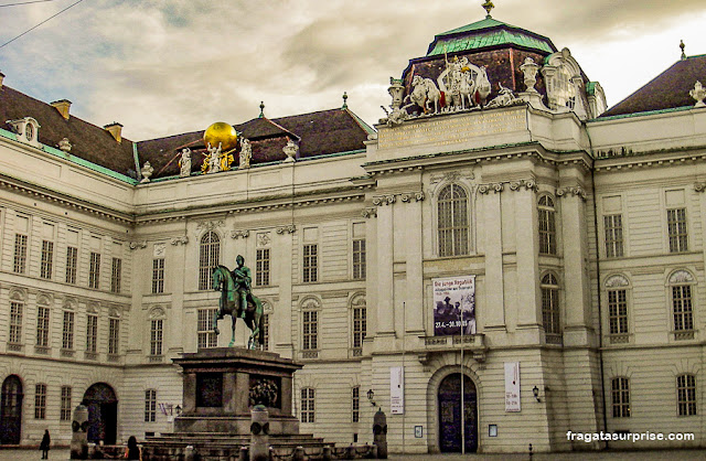 Biblioteca Nacional da Áustria, no Burghof de Viena