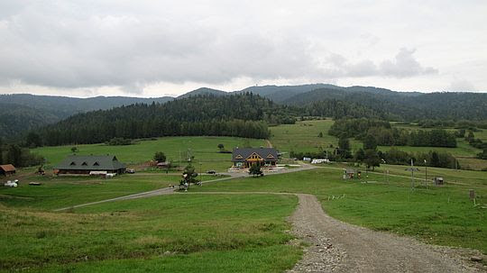 Przełęcz Drzyślawa (650 m n.p.m.) ze stoku góry Wdżar.