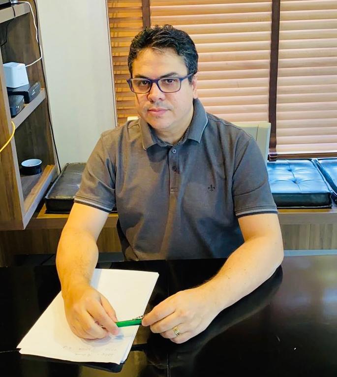 Márcio Alencar, Médico anestesista e Conselheiro do Mixto