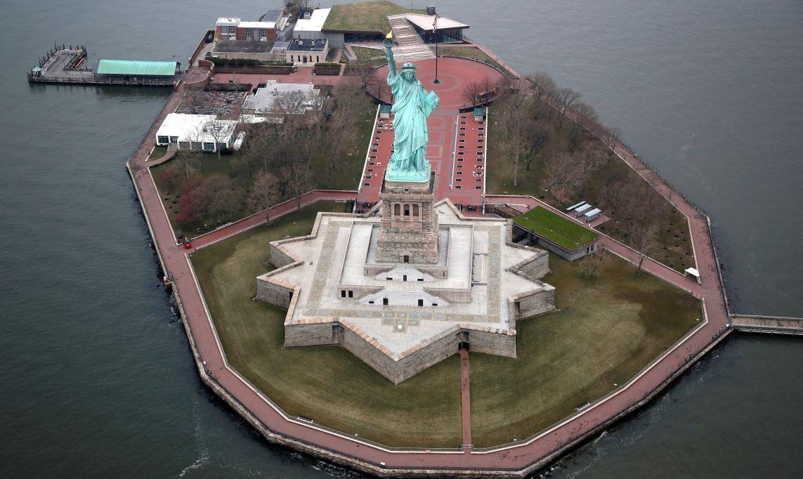 Sėjanti mirtį visame pasaulyje pradėjo sėti mirtį Amerikoje. Laisvės statula kaip naujojo laiko Babilono paleistuvės simbolis. Prof. Valentinas Katasonovas