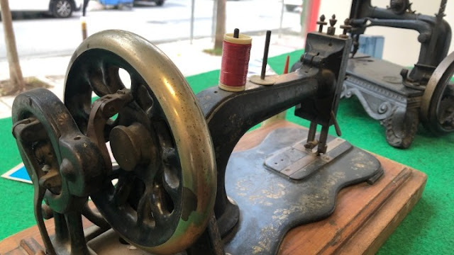 Φινετσάτες ραπτομηχανές ετών.. 150!!!