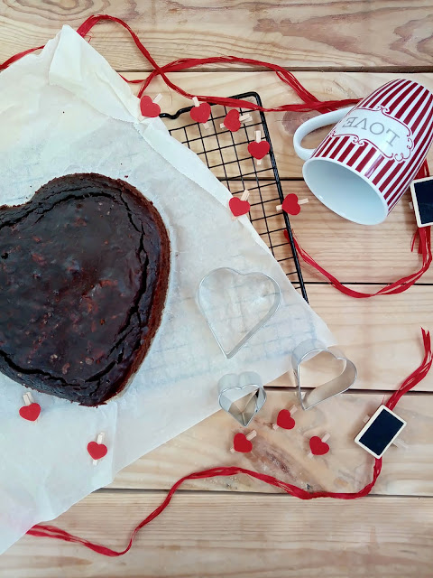 Brownie de lentejas. Receta saludable y sin gluten. Desayuno, merienda, postre, chocolate, miel, cacao, nueces, con horno. Receta fácil, rápida Cuca