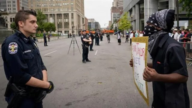 Black Lives Matter protest turns deadly in US state of Kentucky