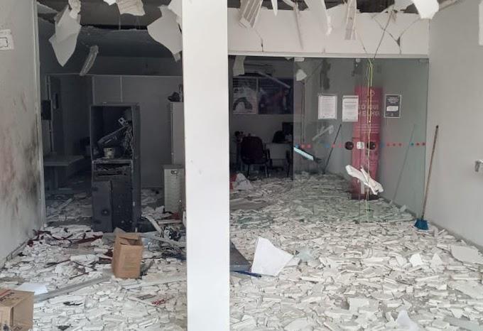 Grupo explode banco e leva cofre, no Sertão da PB