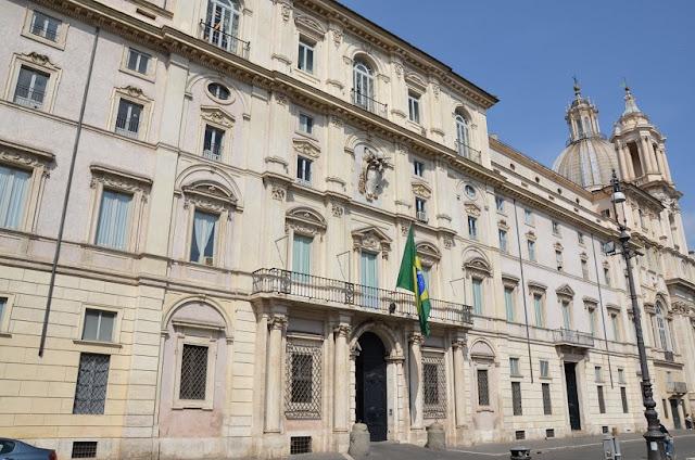 Embaixada brasileira na Piazza Navona em Roma